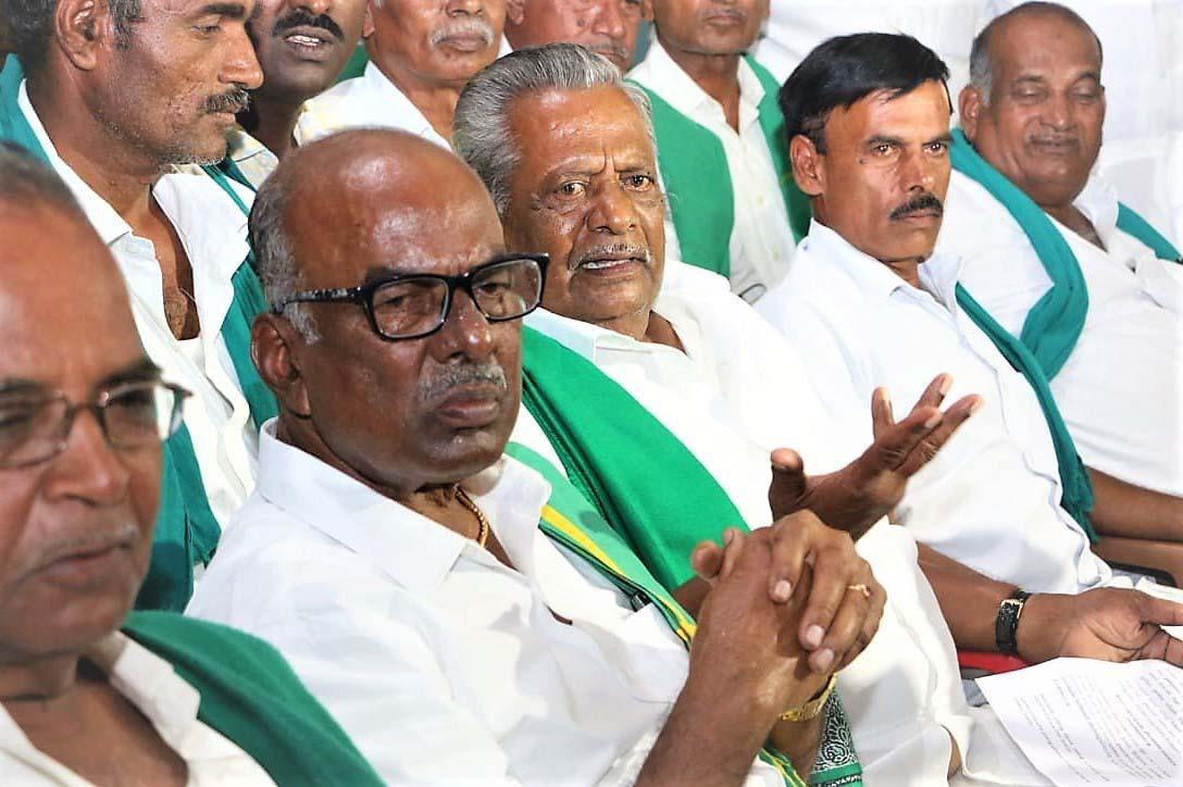 வேலூரில் நடைபெற்ற தமிழக விவசாயிகள் சங்க மாநில செயற்குழு கூட்டம்.