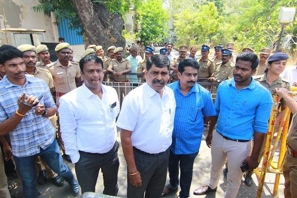 நக்கீரன்  கோபால் வழக்கறிஞ சிவக்குமார்  காவல்துறை ஆணையர் அலுவலகம்