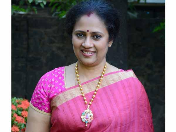 லட்சுமி ராமகிருஷ்ணன்