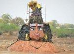 லட்சம் தேங்காய்கள் கொண்டு உருவாக்கப்பட்ட பிரமாண்ட சிவன்... கீளப்பட்டு கிராமத்தில் பரவசம்!