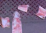 டி.டி.வி. தினகரன் சட்டமன்ற அலுவலகத்தில் இரவில் வீசப்பட்ட 20 ரூபாய் நோட்டுகள்!