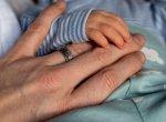 '9 நிமிடத்தில் 6 குழந்தைகளைப் பெற்ற பெண்!'- 490 கோடி பிறப்புகளுக்கு ஒருமுறை நிகழும் அதிசயம்