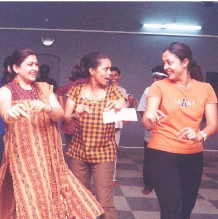 இத்தனை வருஷம் அதை பத்திரமாக வச்சிருக்கா ஜோ!'' - நாஸ்டாலஜி பகிரும் பிருந்தா மாஸ்டர் Jo_17554