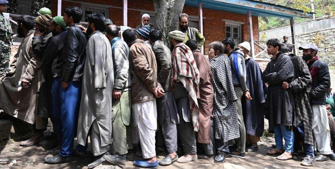 வெறும் 12 சதவிகிதம்: எப்படி இருக்கிறது காஷ்மீர் தேர்தல் நிலவரம்?