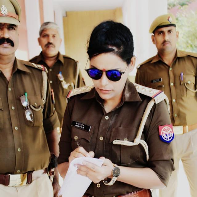 பெண் இன்ஸ்பெக்டர் அருணா ராய்