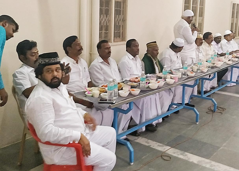 செந்தில்பாலாஜியை வீழ்த்த நோன்பு திறக்கும் நிகழ்ச்சி