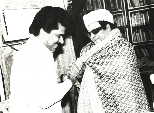 எம்.ஜி.ஆருடன் திருநாவுக்கரசர்