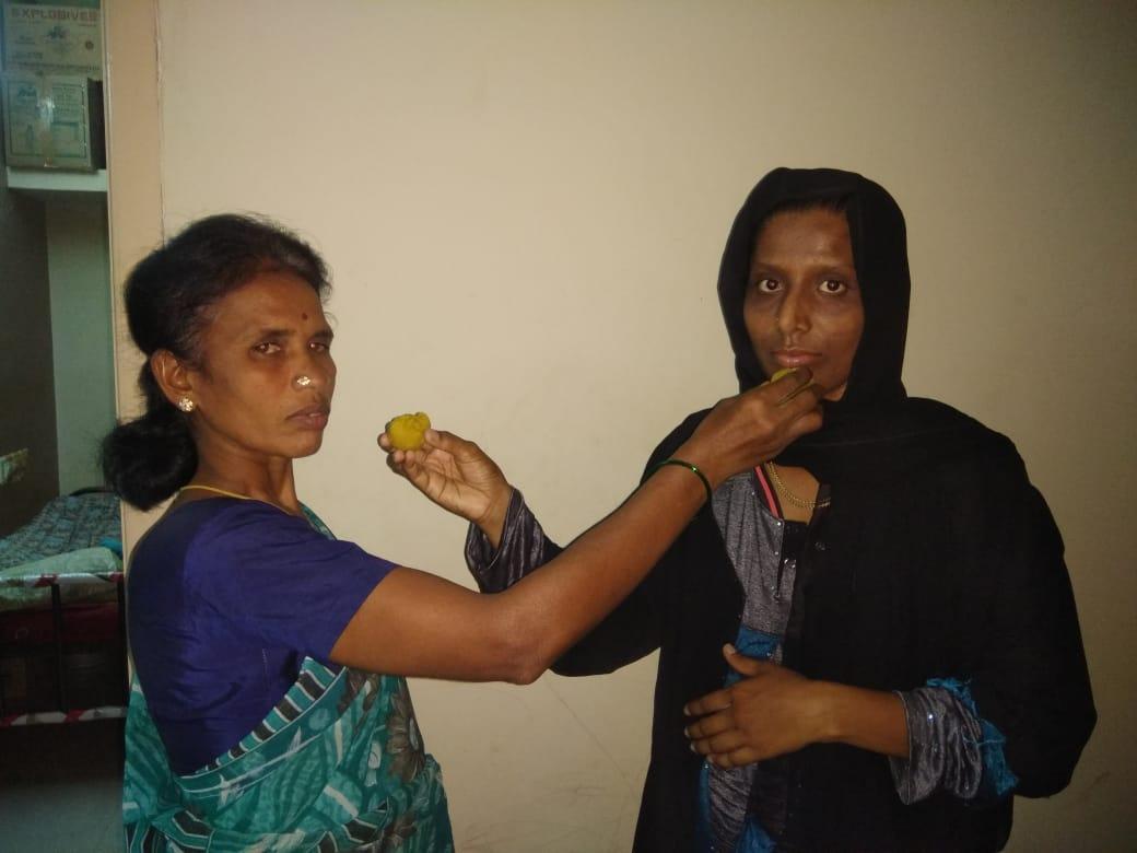 ஒன்றுசேர்ந்த லட்சுமி, சர்மிளா பானு