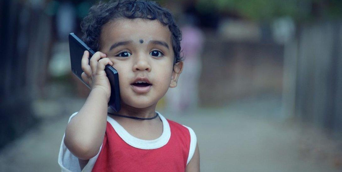 ஸ்மார்ட்போன் உங்கள் குழந்தையின் தூக்கத்தைப் பாதிக்குமா? மருத்துவ விளக்கம் #ChildCare