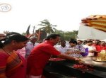 ஸ்டாலின் தீபமிட்டு சாமி கும்பிட்டது உண்மையா?!  #VikatanFactCheck