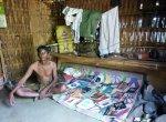 கேரள வனத்திற்குள் ஒரு தன்னந்தனி நூலகம்... 73 வயது டீக்கடைக்காரரின் 'பலே' யோசனை!