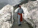 11,755 அடி உயரத்தில் மலை ஏற்றம்!  - மோடி தியானம் செய்த குகையில் என்ன விஷேசம்?