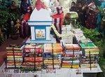 `வரதட்சணைக்குப் பதிலாக புத்தகம்!' - மணமகனுக்கு சர்ப்ரைஸ் கொடுத்த மணமகள் குடும்பத்தினர்