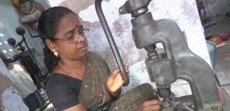 இந்தியா முழுவதும் சப்ளை! - பேனா நிப் தொழிலில் கொடிகட்டிப் பறக்கும் சாத்தூர் #MyVikatan