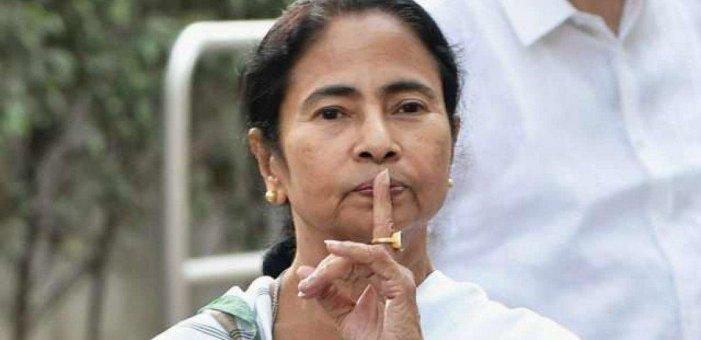 `இந்த புரளியை நம்பப் போவதில்லை!' - கருத்துக்கணிப்புகளைச் சாடும் மம்தா #Exitpoll2019
