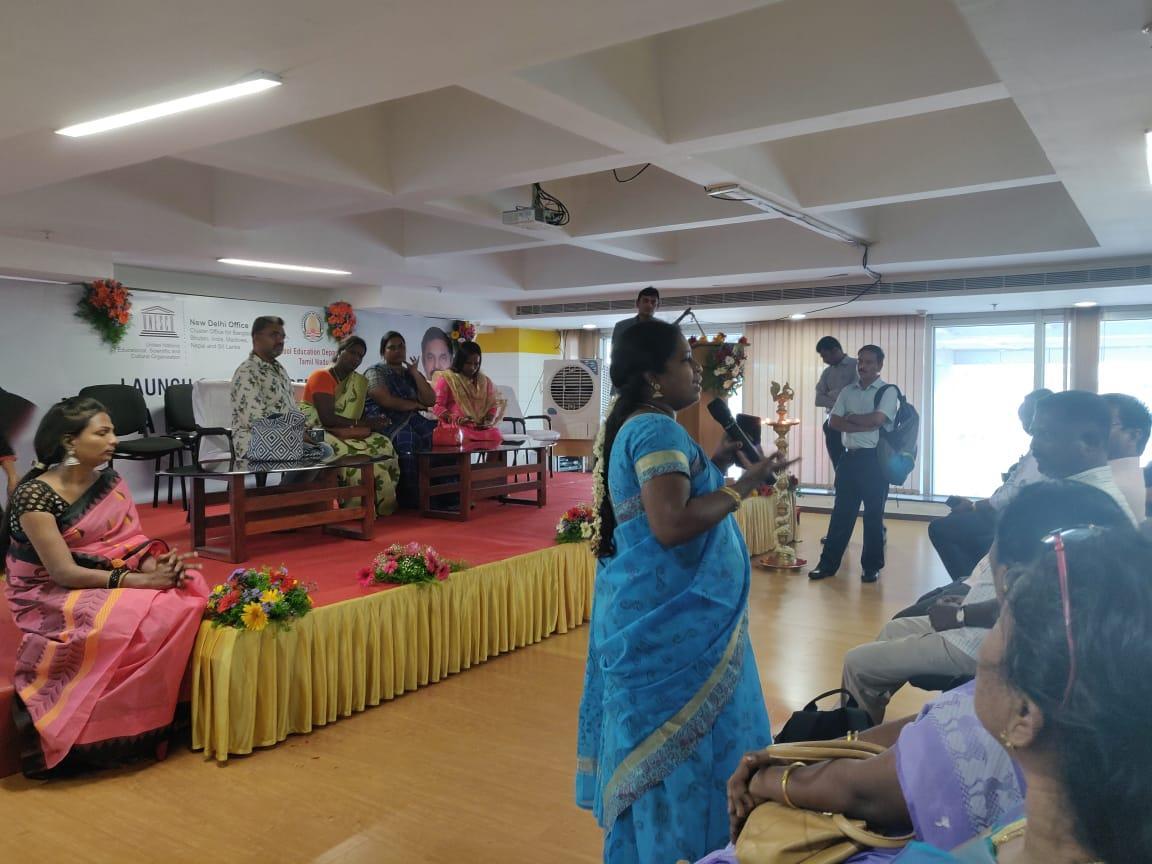 கலந்துரையாடல் நிகழ்வில் திருநங்கைகள் சுதா ஜெயா உள்ளிட்டோர் மற்றும் பேசிய ஆசிரியர்கள் - கல்வி