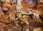 `புதுக்கோட்டையில் தோண்டத் தோண்ட கிடைத்த ஐம்பொன் சிலைகள்: 1,000 ஆண்டுகள் பழைமையானதா?'