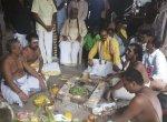 `ரஜினி அரசியலுக்கு வந்து, பூரண நலத்துடன் இருக்க வேண்டும்!' - சிதம்பரத்தில் ரசிகர்கள் சிறப்பு யாகம்