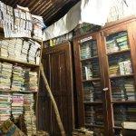 `30,000 புத்தகங்கள் உள்ளது ஆனால், படிக்க இடம்தான் இல்லை' - பரிதாப நிலையில் நீலகிரி நூலகம்