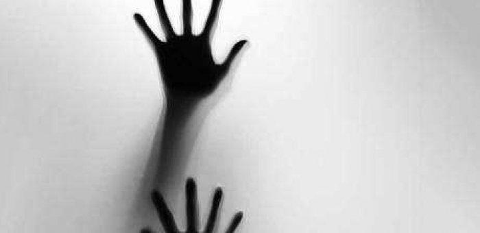 `என் காதலனை சிறைக்கு அனுப்பாதீங்க!'- போலீஸாரிடம் கதறிய 17 வயது சிறுமி