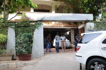 Pictures of kushboo house