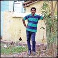 மரக்கன்றுகள் கொடுக்கும் கலைமணி... டெல்டா மாவட்டத்தில் ஒரு 'பச்ச மனுஷன்'
