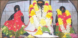 வாழ்வு செழிக்க வரம் தருவார் - செந்தட்டி ஐயனார்
