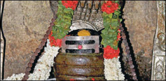 கடன் தொல்லை நீங்கும்... மாங்கல்ய பலம் பெருகும்