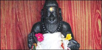ஜாதகத்தில் சூரிய பலம் வேண்டுமா... வியாசர்பாடிக்கு வாருங்கள்!