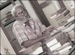 கரும்பூஞ்சைப் படலத்தில் வெண்ணிறக் காளான்கள் - யூமா வாசுகி