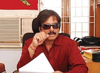 கொக்கிபீடியா  - 'நவரச நாயகன்' கார்த்திக்