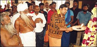 ``அது வேஷம்... இது நிஜம்!''
